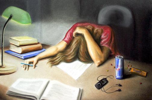 Imagem mostra uma pessoa cansada, deitada nesta receita de banho energético contra o mau.